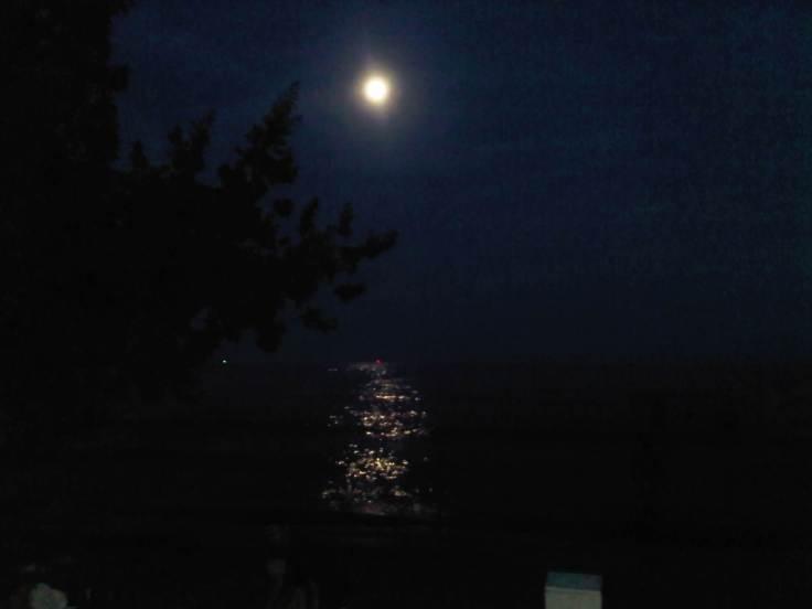 El_mar_de_noche_desde_carenero,_Higuerote,_estado_Miranda
